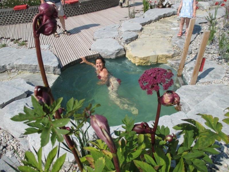 Felsengumpe schwimmende Frau IMG_0247