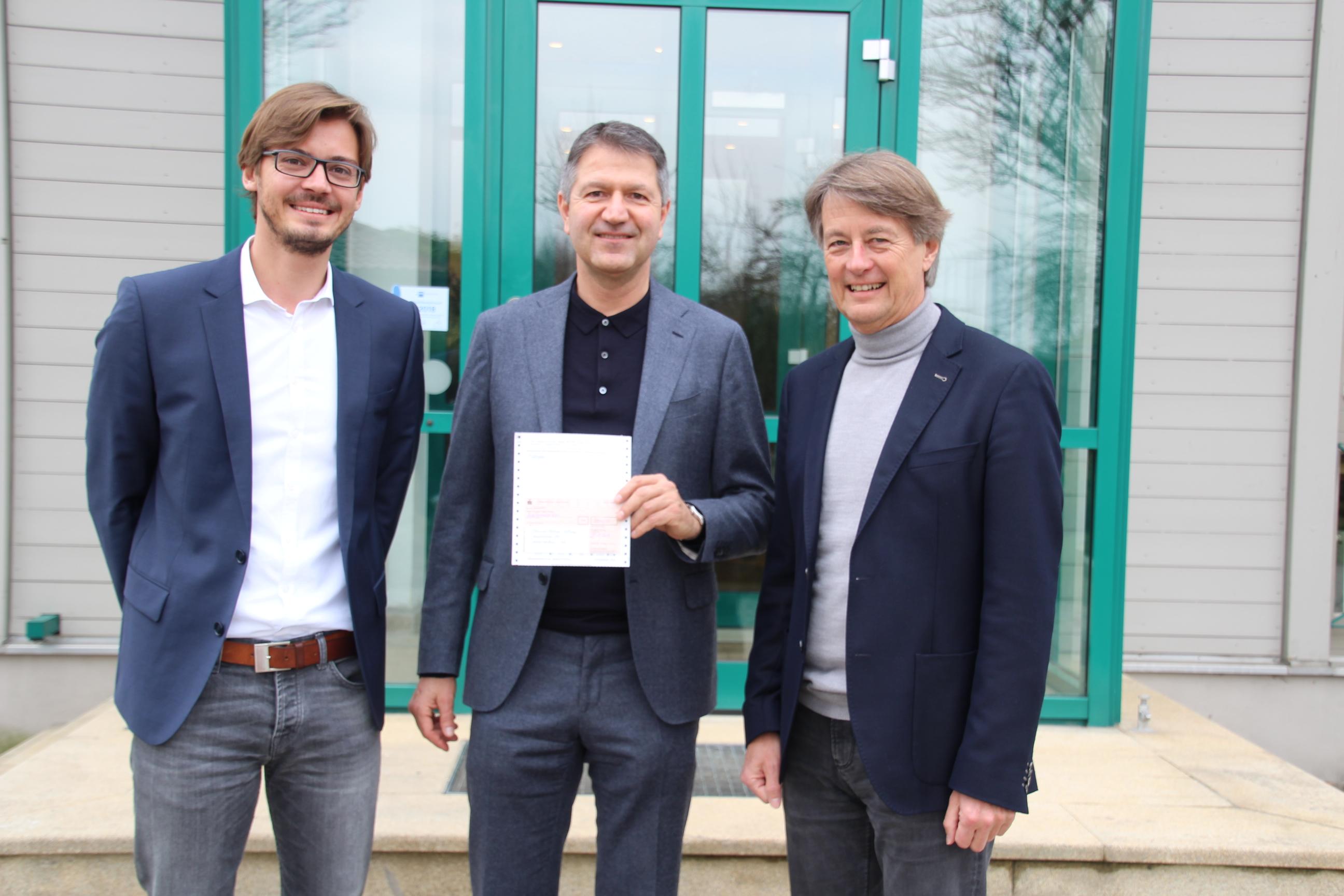 Im Bild von links nach rechts: Johannes Haderstorfer, Claus Girnghuber, Prof. Dr. Rudolf Haderstorfer